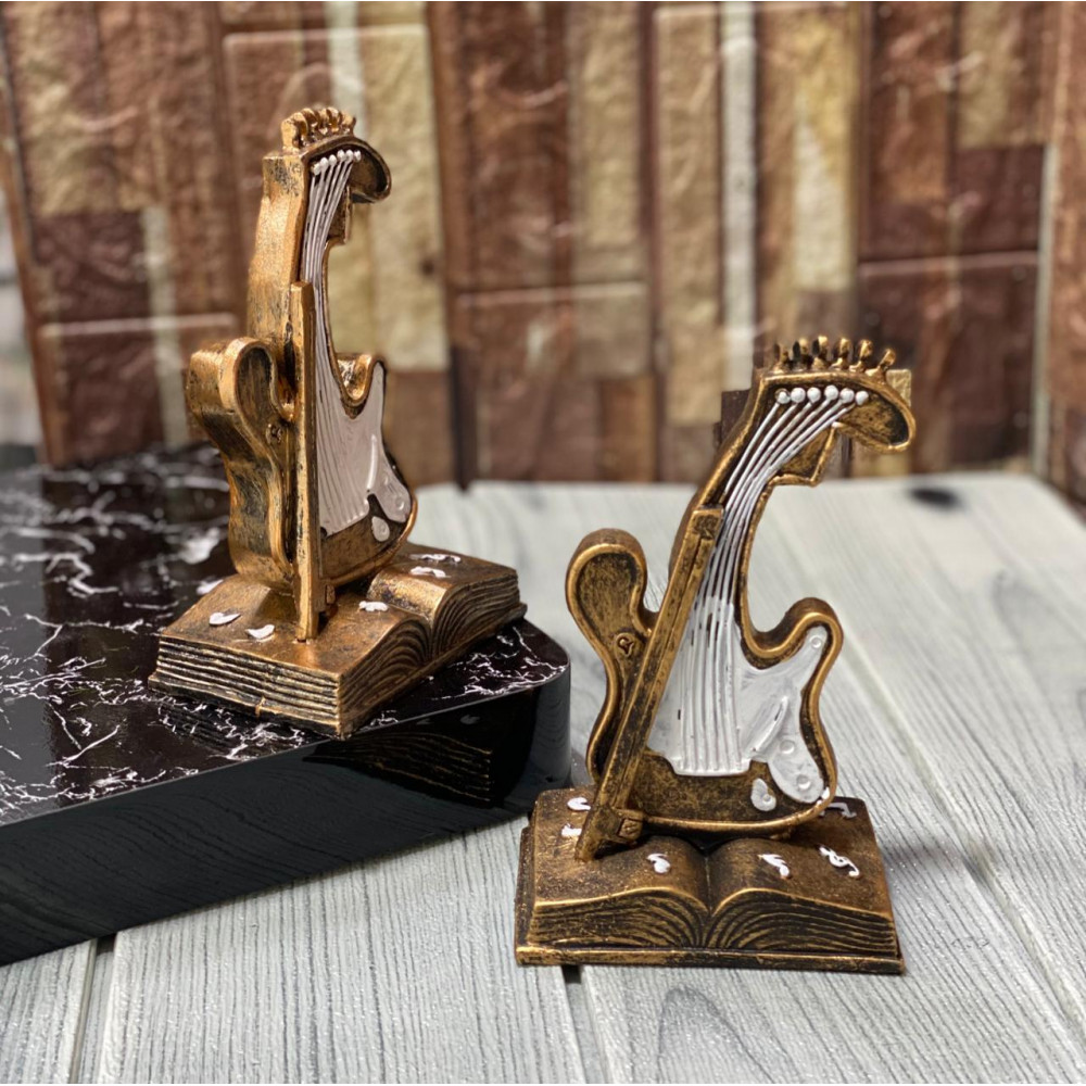 Masterpiece shaped musical instrument
